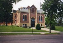 Brown-County-Courthouse